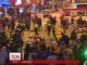 Поліцейські розігнали акцію протесту вуличних торговців у Гонконзі сльозогінним газом і кийками