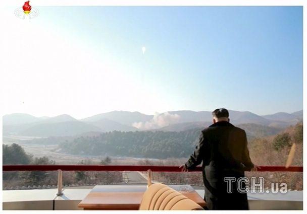 З'явилися фото запуску північнокорейської ракети на Жовтому морі