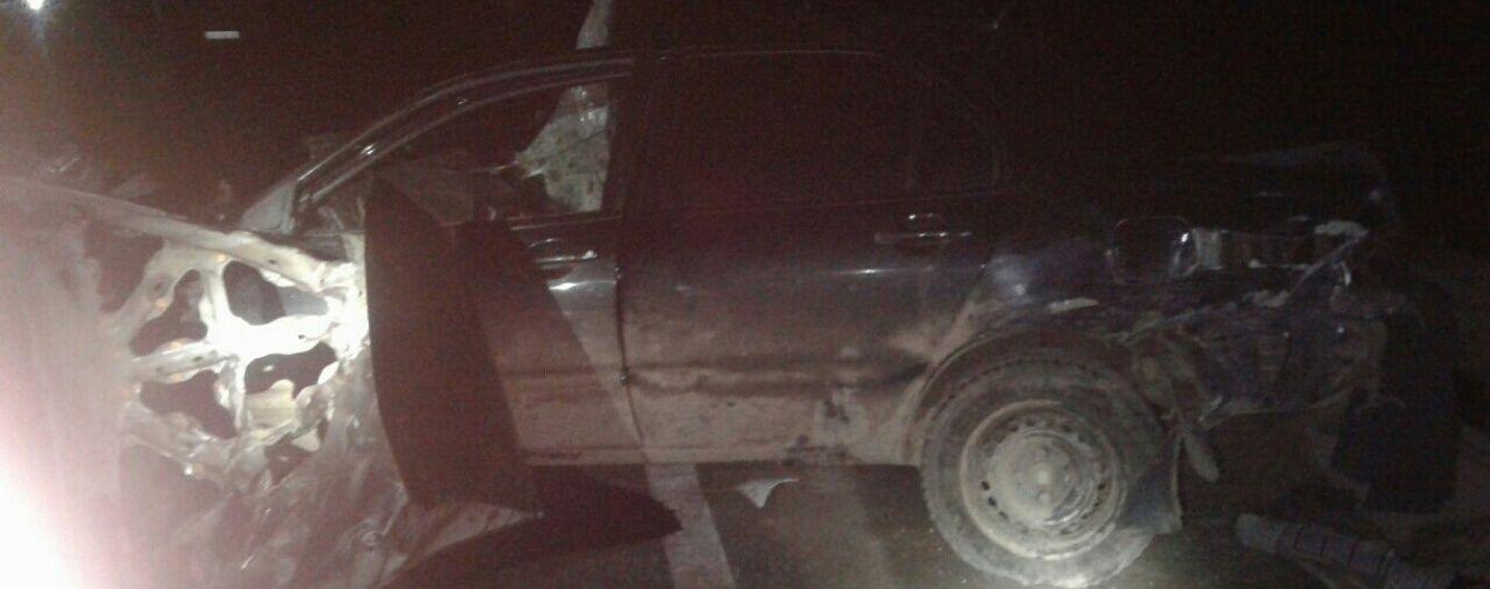 На Львівщині вантажівка зіткнулася з двома легковиками, є загиблі