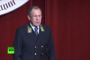 """Лавров слідом за Захаровою приміряв """"садо-мазо"""" костюм"""