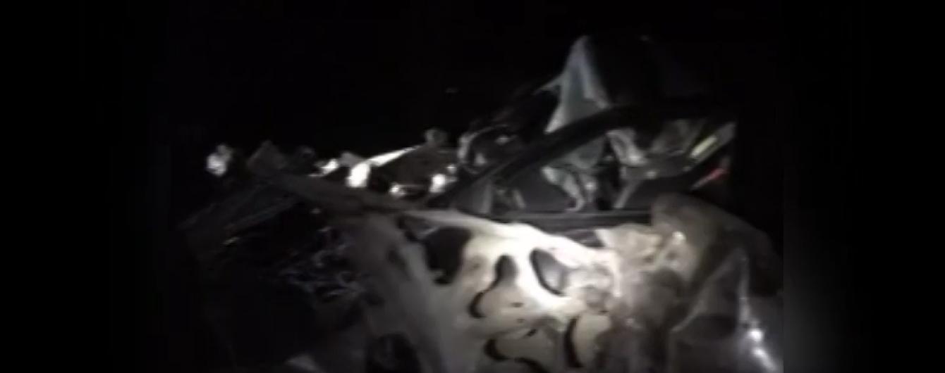 Оприлюднені подробиці трагічної ДТП з вантажівкою і двома легковиками на Львівщині