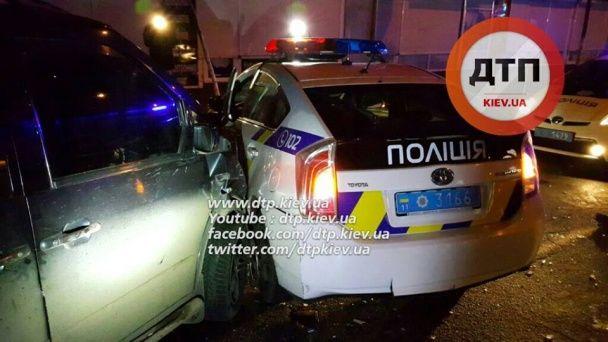 У Києві двоє поліцейських дуже постраждали в ДТП