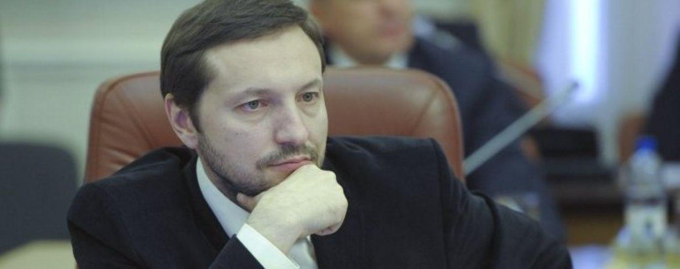Порошенко терміново викликав на нараду міністра інформполітики Стеця