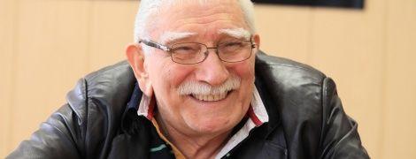 82-річного Армена Джигарханяна екстрено госпіталізували просто з театру