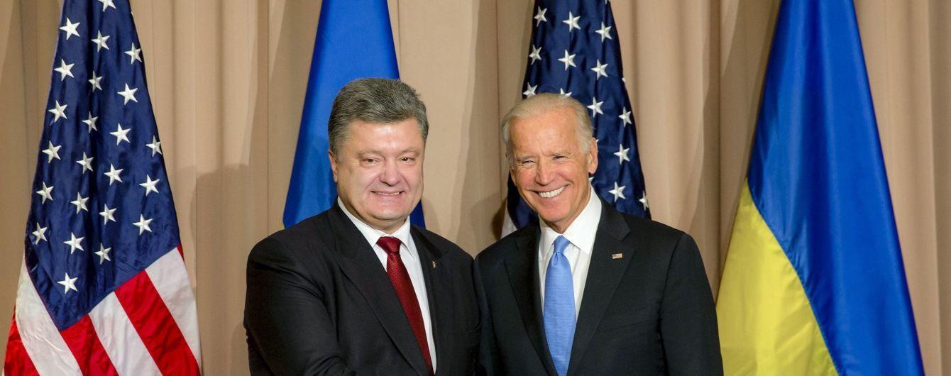 Порошенко і Байден обговорили реформи в Україні і тиск на Росію