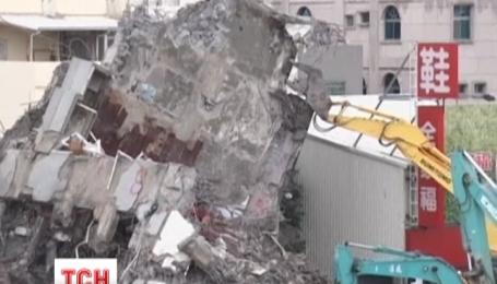 Число жертв разрушительного землетрясения на Тайване возросло до 94 человек