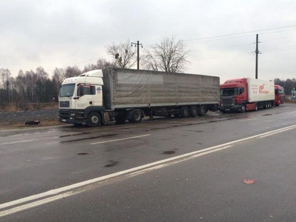 До блокування російських фур долучилися Львівщина та Волинь