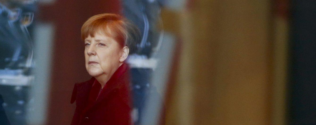 Меркель закликає активізувати пошуки виходу з кризи на Донбасі