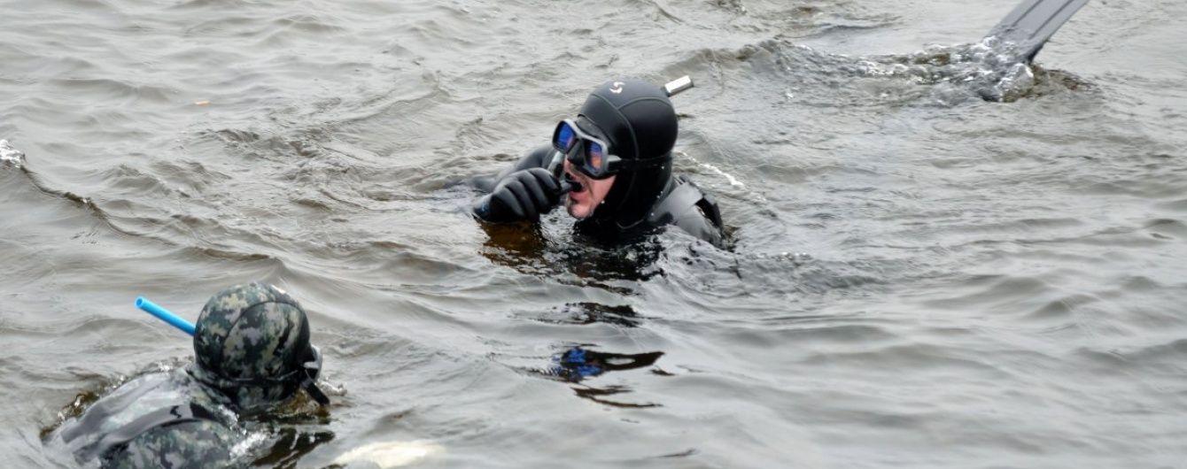 К поиску пропавшего на Каневском водохранилище рыбака привлекли водолазов