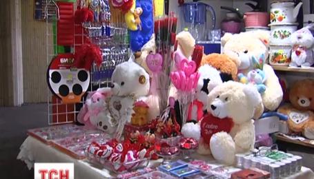 Украинцы собираются экономить на любимых и отмечать День Святого Валентина без ажиотажа