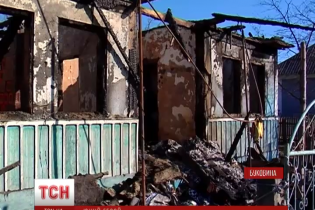 На Буковині 15-річний переселенець врятував з пожежі трьох маленьких дітей