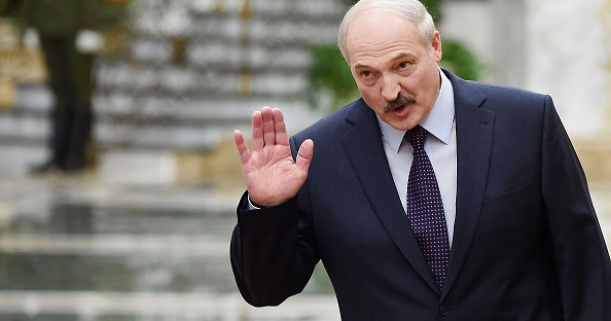 Попытка номер пять: Лукашенко подал документы для участия в президентских выборах