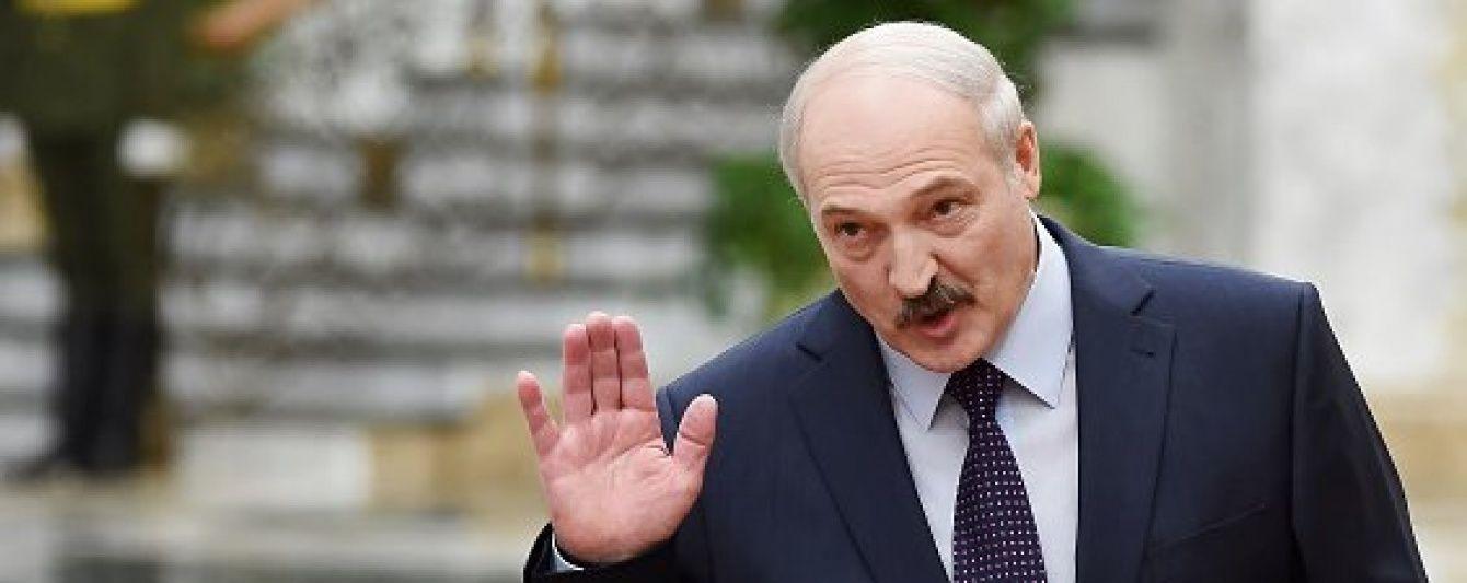 """Лукашенко закликав силовиків миттєво розбиратися з """"позерами-бойовиками"""" з Донбасу"""