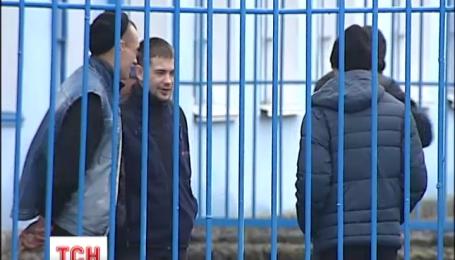 """Кто из заключенных может раньше выйти на свободу по """"закону Савченко"""""""