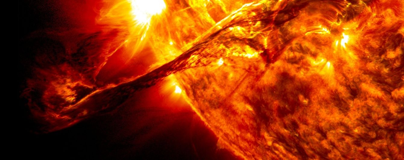 """NASA показало вражаюче відео, як """"жило"""" Сонце протягом минулого року"""