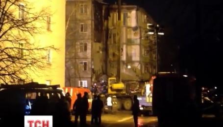 Через вибух газу завалився під'їзд п'ятиповерхового будинку в російському Ярославлі