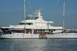 Біля берегів Туреччини багатії катаються на розкішній яхті Януковича