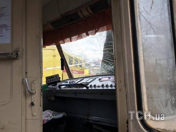 У Києві на Лук'янівці трамвай зійшов із колій