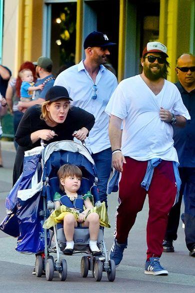 Адель з сином