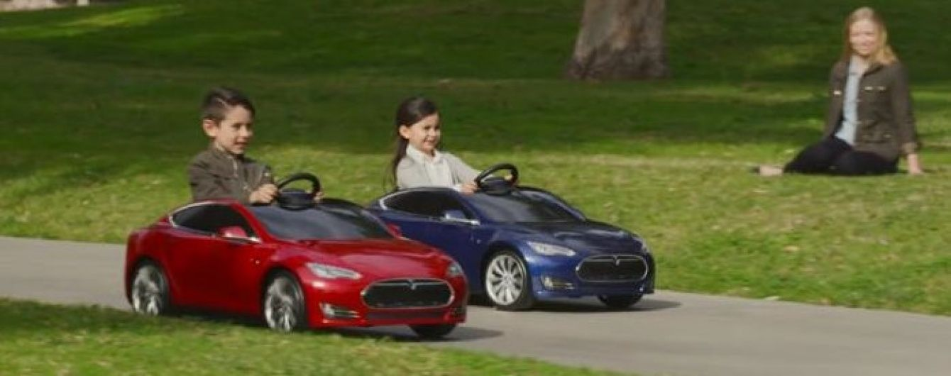Американцы выпустили детскую версию Tesla Model S (Видео)