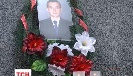 У Львові після двомісячної коми помер чоловік, нібито побитий охоронцем супермаркету