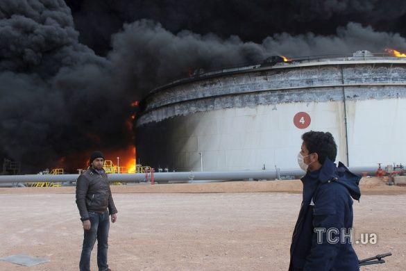 Лівія, пожежа в порту