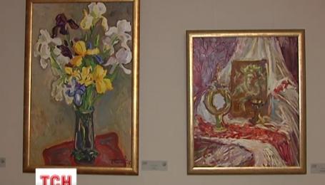 """У столиці відкрилась благодійна виставка картин """"Арт-волонтер"""""""