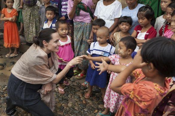 Анджеліна Джолі у Камбоджі