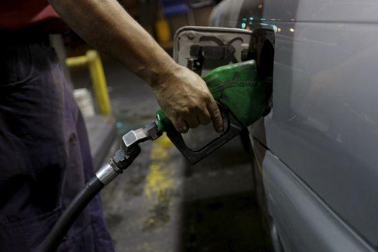Сколько стоит заправить авто. Средние цены на АЗС