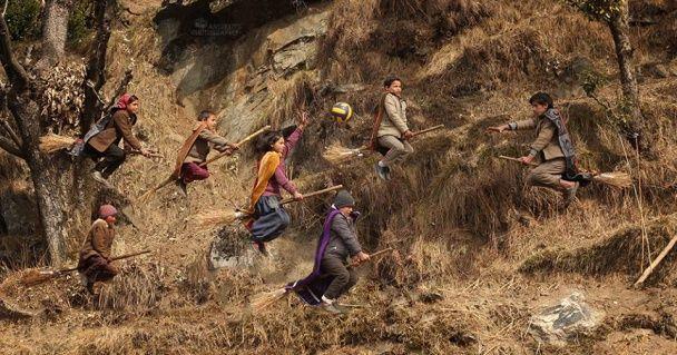 """В Індії вчитель англійської перетворив учнів на магів з """"Гаррі Поттера"""""""