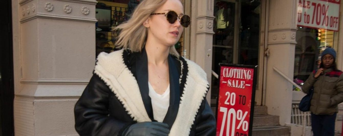 Звезды на шопинге: Джей Ло, Алессандра Амбросио и другие в объективах папарацци