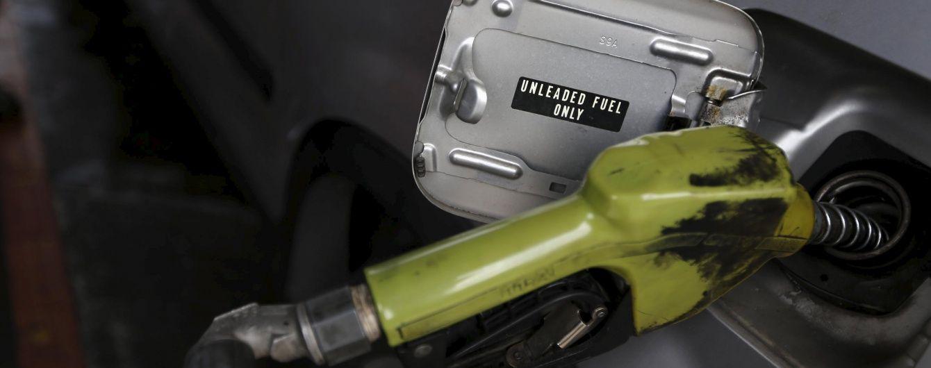 Скільки коштує заправити автомобіль. Середня вартість пального 17 серпня