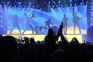"""Легендарні Scorpions """"вшкварили рок"""" на фоні українського прапора"""