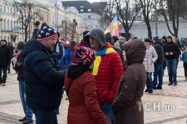 #SavePolice. В Киеве и Львове люди вышли на акции в поддержку полиции и патрульного Олейника