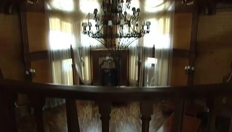 Скарби родини Януковичів можна знайти на столичних авторинках
