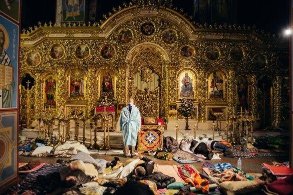 Михайлівський собор з майданівцями