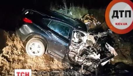 В Киеве на тупиковой области кольцевой произошла авария, есть жертвы