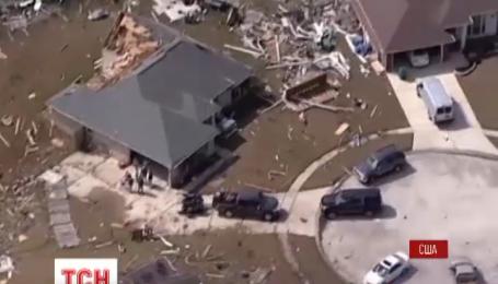 Разрушительные торнадо прокатились Соединенными Штатами