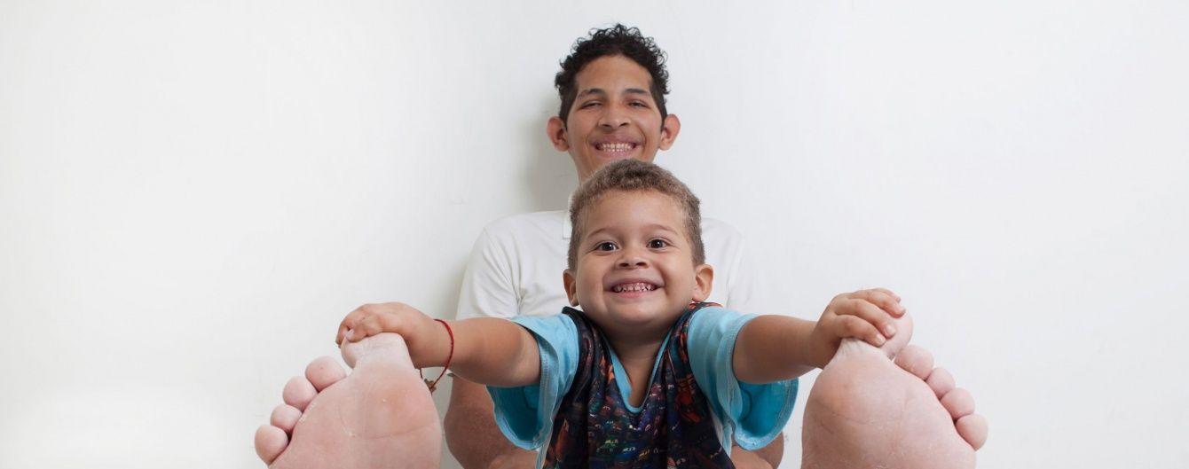 Венесуелець із найдовшими стопами в світі отримав безцінний подарунок