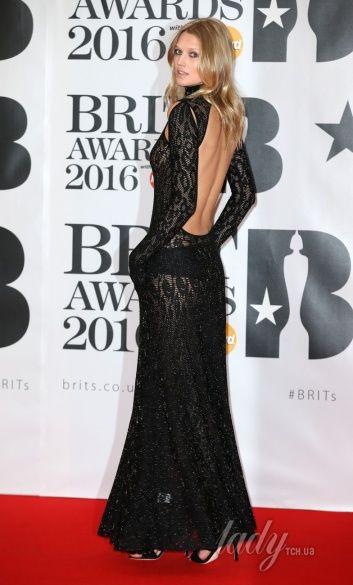 BRIT Awards-2016, эпатажные образы_3