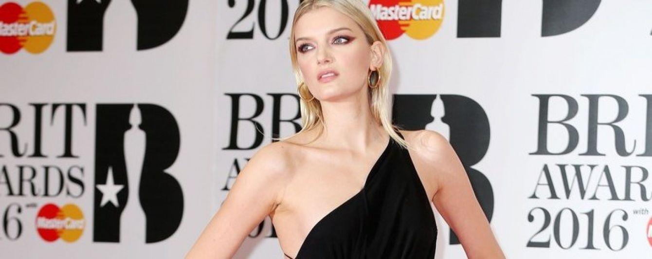 Церемония BRIT Awards-2016: эпатажные образы звезд