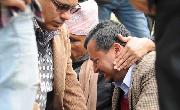 Reuters показало фото з місця катастрофи непальского літака