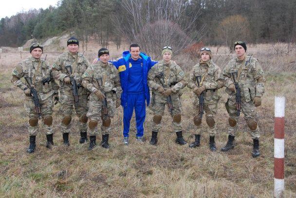 """Футболіст """"Дніпра"""" Федецький допоміг прикордонникам упіймати зловмисників"""