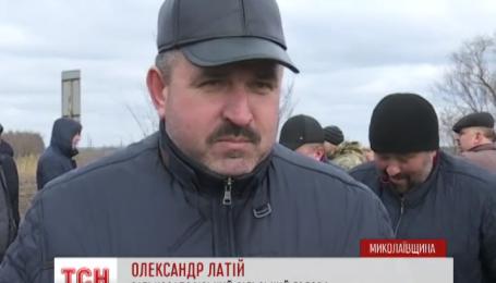 На Николаевщине жители Нового Буга и окружающих сел перекрыли трассу на Днепропетровск