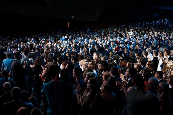 """Концерт YUNA 2016: O.Torvald розтрощив гітару, Камалія """"вийшла"""" з піни морської, Огнєвіч - у відвертому боді"""