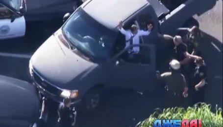 В Калифорнии водитель пикапа устроил настоящий голливудский экшн