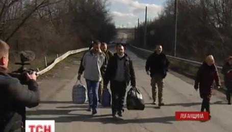 Из плена освободили еще троих украинских заложников