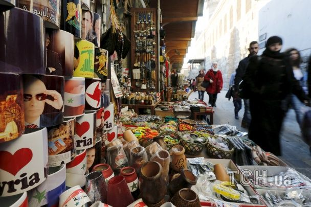 У Сирії почали продавати сувеніри з Путіним