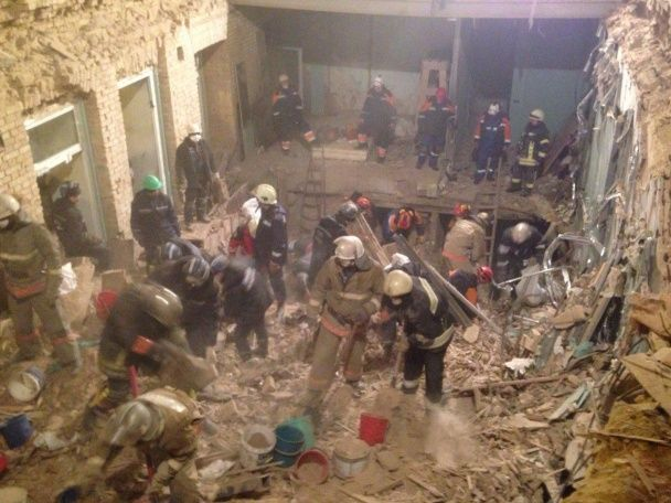 У Києві завершили пошуково-рятувальні роботи в будинку, в якому завалилися всі п'ять поверхів