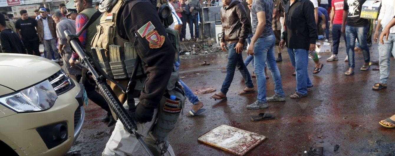 Терорист-смертник вбив понад два десятки людей на похороні в Іраку